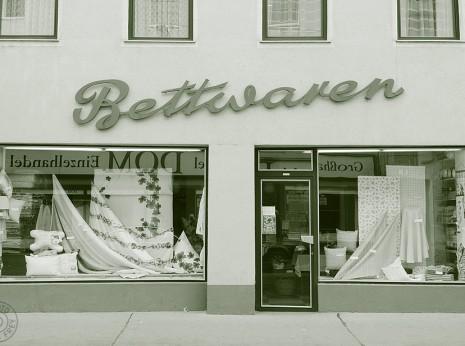 Geschaefte mit Geschichte: Bettwaren Posch, 1120 Wien